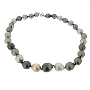 Grey and black pearl necklace