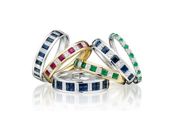 Coloured Gemstone Engagement Rings Grow More Popular: Diamonds and Beyond image
