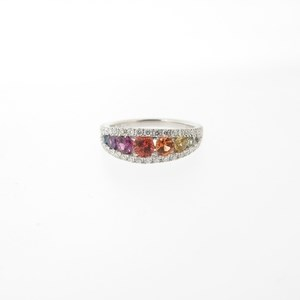 An 18ct White Gold Sapphire & Diamond Ring